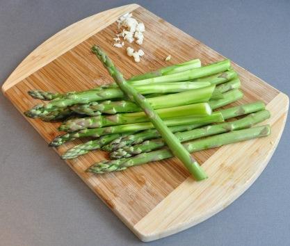 green asparagus peeled