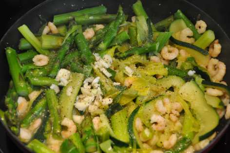 seasoned zucchini- leek- green asparagus- garlic- prawns