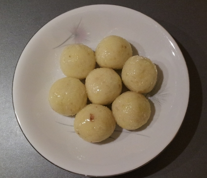 cooked silesian potato dumplings with meat