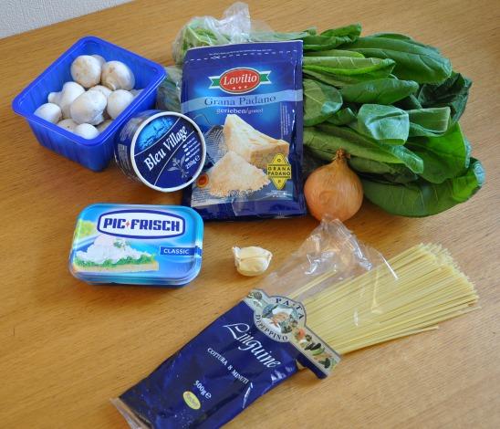 komatsuna-onion-mushrooms-garlic-blue-cheese-creme-cheese-tagiolini-parmigiano